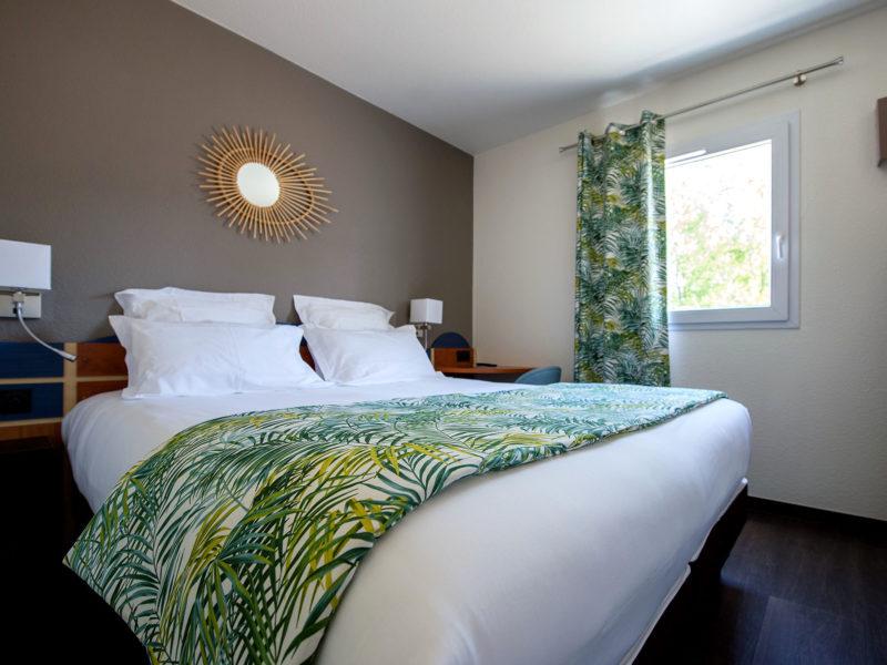 Hôtel Altica Arcachon - Décoration tissus et voilage chambre
