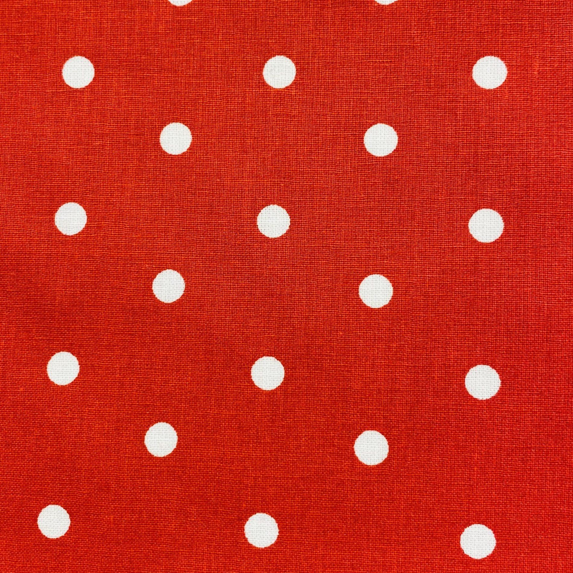 Poppins blanc fond rouge