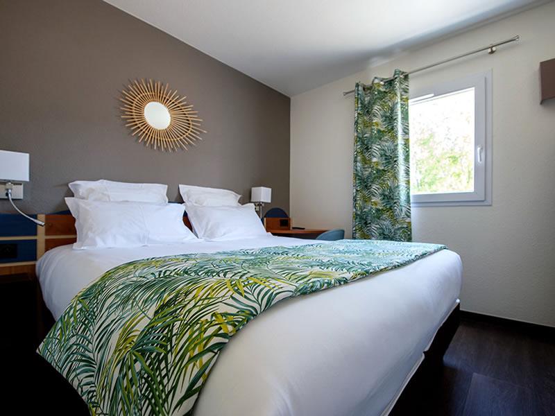 Maison Bouquières Toulouse- Décoration tissus voilage chambre Hotel Altica Arcachon